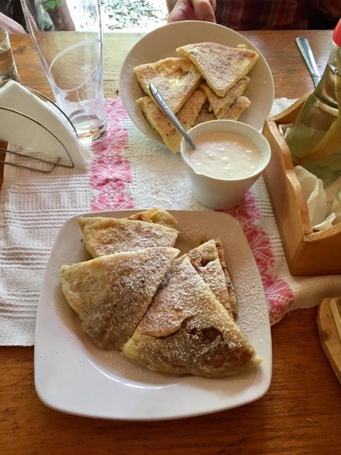 Plăcintă (sweet)